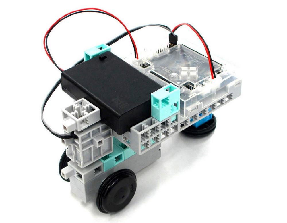 Pourquoi faire découvrir un robot éducatif enfant à ses élèves ?
